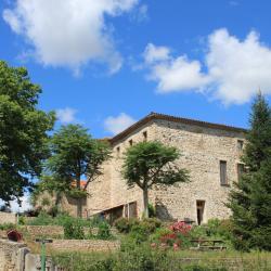 Maison forte de Flageac Chambres d'hotes à Brioude